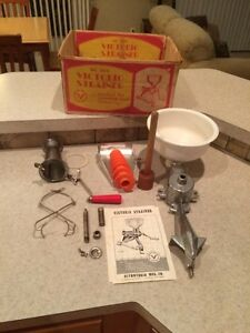 VINTAGE VICTORIO STRAINER NO. 200 CANNING USED BOX FOOD PRESS INSTRUCTIONS
