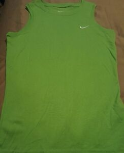 WOMEN'S NIKE Dry fit Light Green Tank top shirt  Size XS (0-2). Polyester EUC