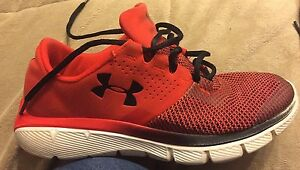 Youth Boys Under Armour Shoes Size 7 Great Used Condition