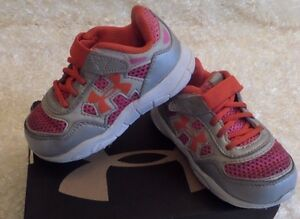 Under Armour Infant Engage Girls Running Shoes  Size 7K GrayPink 1255070-099