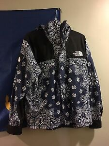 Supreme x The North Face Navy Blue Bandana Parka Jacket Size LARGE
