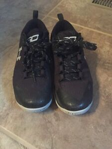 Under Armour Boys (GS) Curry 2 Low Basketball Shoes Size 6.5 Black Stephen