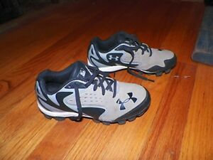 Boy's Youth Under Armour Baseball Cleats Shoes Size 2 Y Light Tan