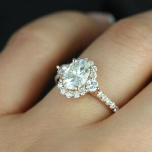 Oval and Round Cut Vintage Design Engagement Ring 18k Rose Gold 3.01 CT