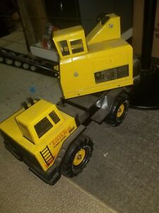 Vintage Large Metal Tonka Toy Construction Crane Truck with Clam Shell Bucket
