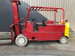 40000 lbs. Capacity Cat Solid-Tire Forklift For Sale