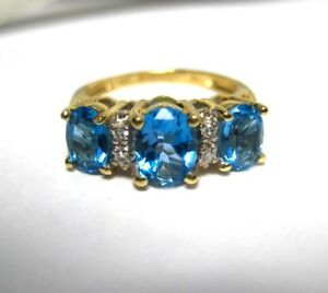 Vintage 14K Yellow Gold Ring with Trio of Blue Topaz Diamond Accents Ring Size 5
