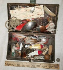 Antique Metal Tackle Box Pike Muskie Lures Old Display Baits Pflueger South Bend