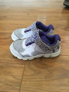 Under Armour girls baby shoes size 7K