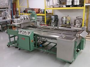 BELSHAW C600 Century Gas Donut Fryer Multimatic Depositor and Feed Table
