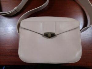 MARK CROSS New York Cream Beige Leather Shoulder Bag Flap Pocket Zipper Closure