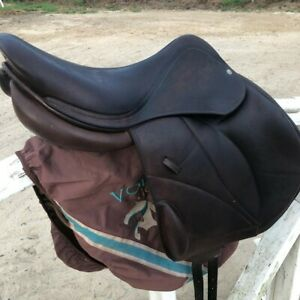 Voltaire saddle Lexington Monoflap 17 Inch used in good condition