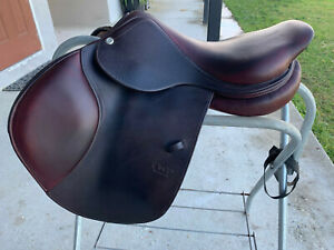 "17"" CWD SE02 HUNTER JUMPER SADDLE VERY GOOD CONDITION"