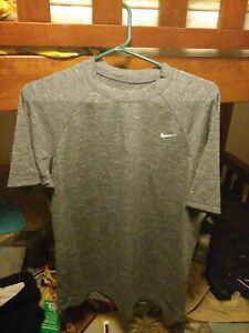 New With Tags Nike Dry Fit Shirt Men's Medium Short Sleeve Gray Dri-Fit