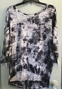 db Black White Grey Splash Graphic HiLo Top 3 4 Sleeve Sz PXL Stretch Scoop Neck
