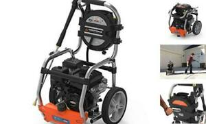 YARD FORCE YF3200 3200 Psi Gas Pressure Washer 2.5 GPM Roll-Cage Frame