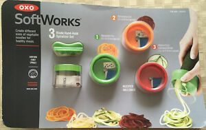 NewOXO Softworks 3 Blade Hand Held Compact Spiralizer #21143600 *Package Damaged