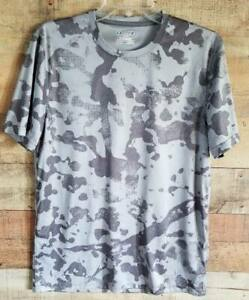 Under Armour Heat Gear Gray Camo Mens M Short Sleeve Shirt T Shirt Loose $14.95