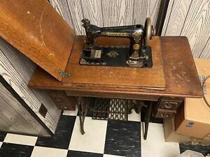 singer antique sewing machine 1900#x27;s $260.00