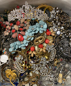 4 POUNDS Vintage to Now LARGE Jewelry Lot Estate; Some Signed $54.99