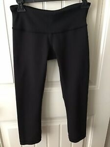 Lululemon Wunder Under Black Crops Capri Leggings Size 6 EUC $34.00