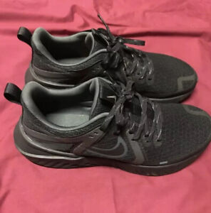 Mens nike legend react 2 size 10 $60.00