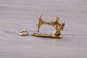 9ct Gold Old Sewing Machine Charm GBP 265.00