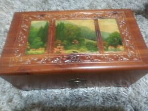 Old Vintage Box w Pictures On Top..mirror on inside $12.00