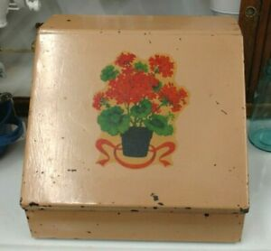 Vtg Tin Sewing Spool holder Spool of thread case flowers holds 32 spools $29.99