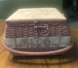 VINTAGE AZAR SQUARE SEWING BASKET PINK WITH ASSORTED THREAD AND SEWING ITEMS $17.90