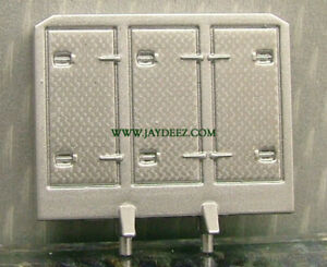 1:64 CUSTOM BUILDING PARTS 5PK SILVER CABINET STYLE HEADACHE RACK RESIN BY DCP