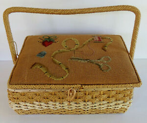 VINTAGE DRITZ LARGE SEWING BASKET WITH NEEDLE WORK TOP $19.99