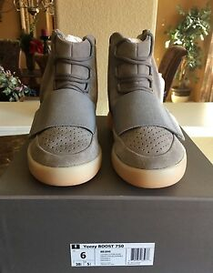 Adidas Yeezy 750 Boost Gum Soles Glow RARE Size 6 AUTHENTIC*