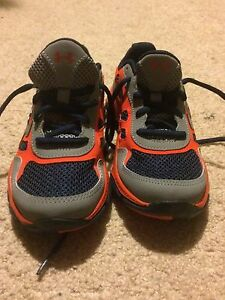 Boys Brand New Navy Blue Orange & Gray Under Armour Shoes Size 2