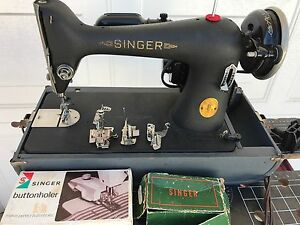 Singer Antique Sewing Machine Includes Button holder amp; accessories $220.00
