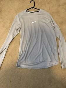 Nike Running Mens Dri Fit Shirt Large Grey Long Sleeve Worn Once