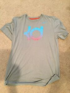 Nike KD dry fit young mens t-shirt  size Medium light gray with logo