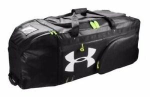Under Armour Football Extra Large Duffle Bag with Helmet Pocket UASB-XL NEW! NWT