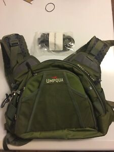 UMPQUA Overlook 500 Professional Guide Fly Fishing Bag - Chest Pack