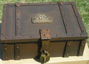 Old West Western Winchester Metal Stagecoach Strong Box Trunk