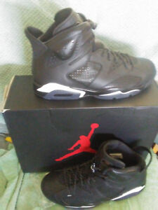 Mens Nike Air Retro 6  size 8.5  BlackWhite.  New in Box