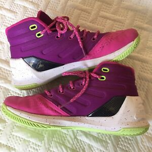 UNDER ARMOUR CURRY 3 BASKETBALL SHOES Kids Girls Sz 5.
