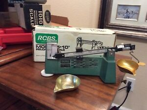RCBS 5 10 Reloading Scale 09070 with Micrometer Poise and original box
