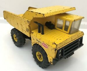 Vintage 1970's Mighty Tonka Dump Truck XMB-975 Pressed Steel Construction Yellow