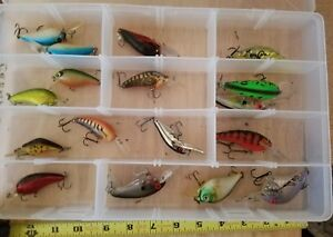 Lot of Crank Baits Fishing Lures Tackle Box Full - 17 lures great find