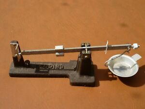 Price drop! Vintage Redding reloading powder measure and scale