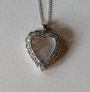 VINTAGE 14KT GOLD HEART SHAPED DIAMOND PENDANT AND NECKLACE WHITE GOLD