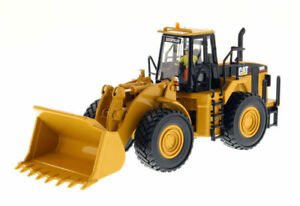 Caterpillar 980G Wheel Loader Model 85027 150 CAT Construction Vehicle Toy Gift