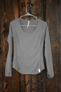 Under Armour women's running Fly By Long Sleeve shirt size XS Excellent! $9.99