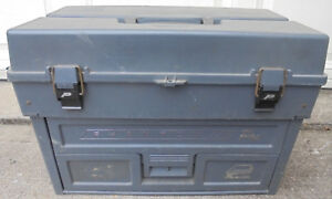 Plano Phantom Pro tackle box: gray about 21
